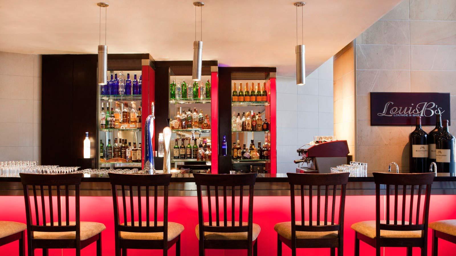 Louis B Bar (SPG)