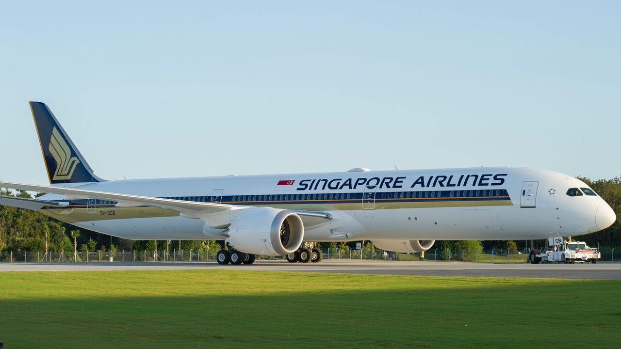 Singapore Airlines 787-10_preview