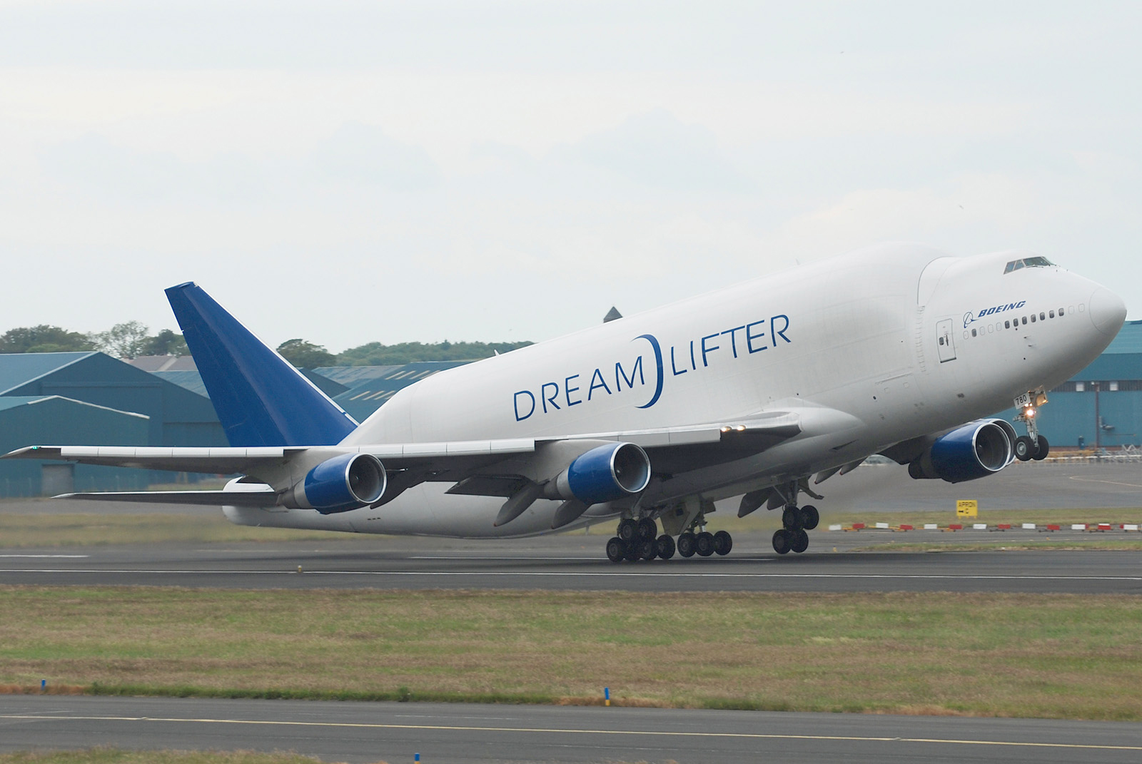 Boeing Dreamlifter (Scott Wright).jpg