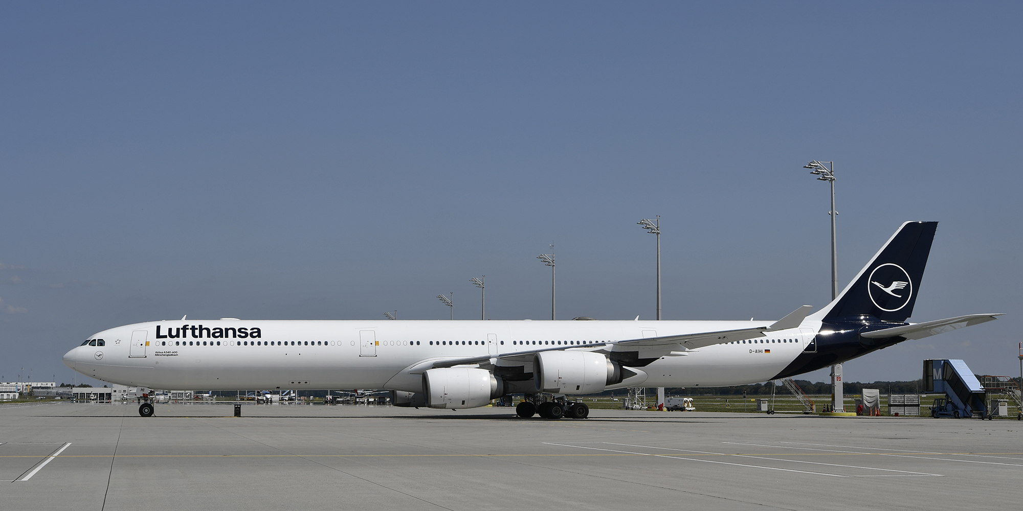 LH A346 (Lufthansa Group).jpg