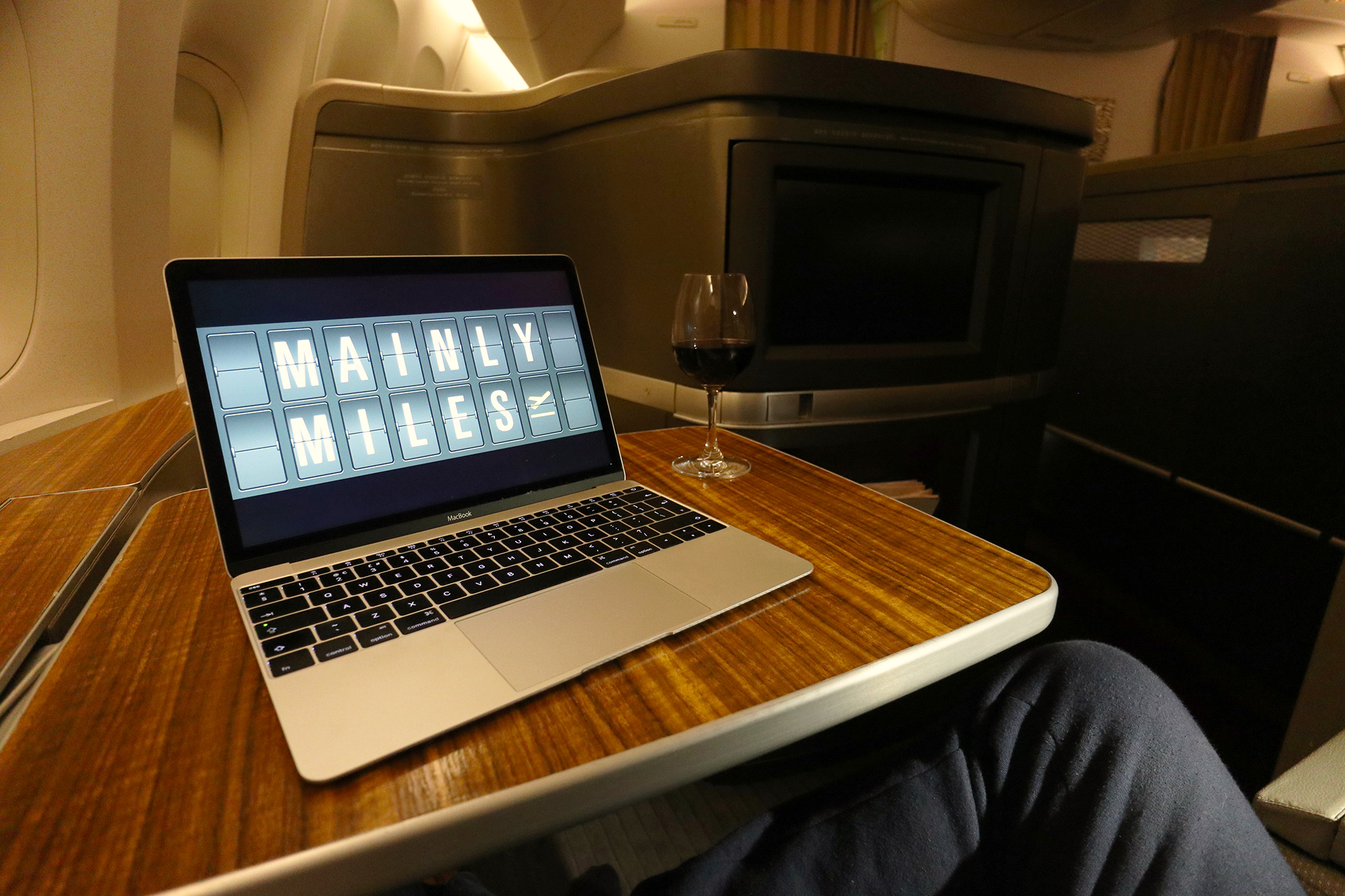 Table Laptop.jpg