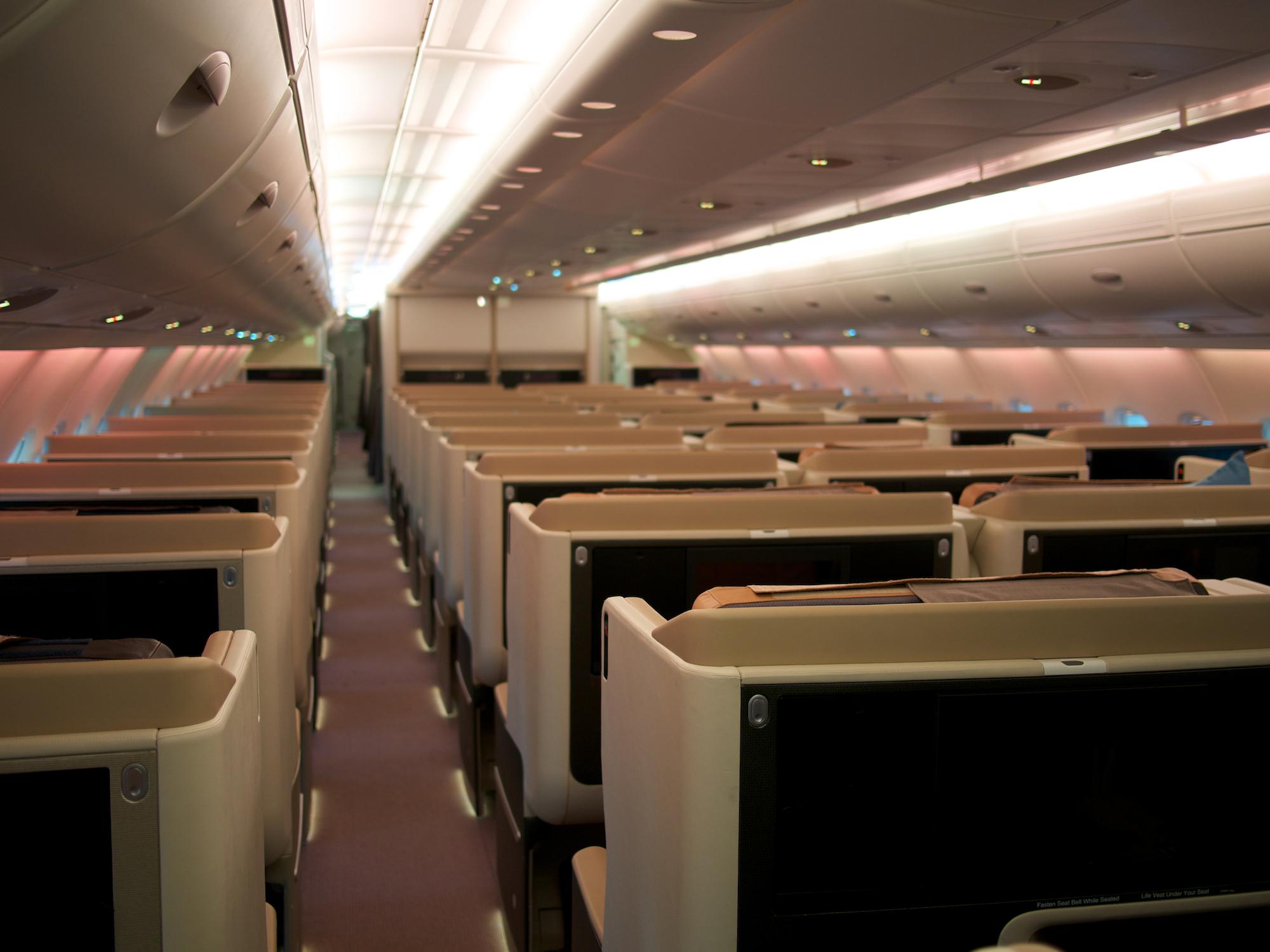 SQ A380 2006J (Edwin Leong).jpg
