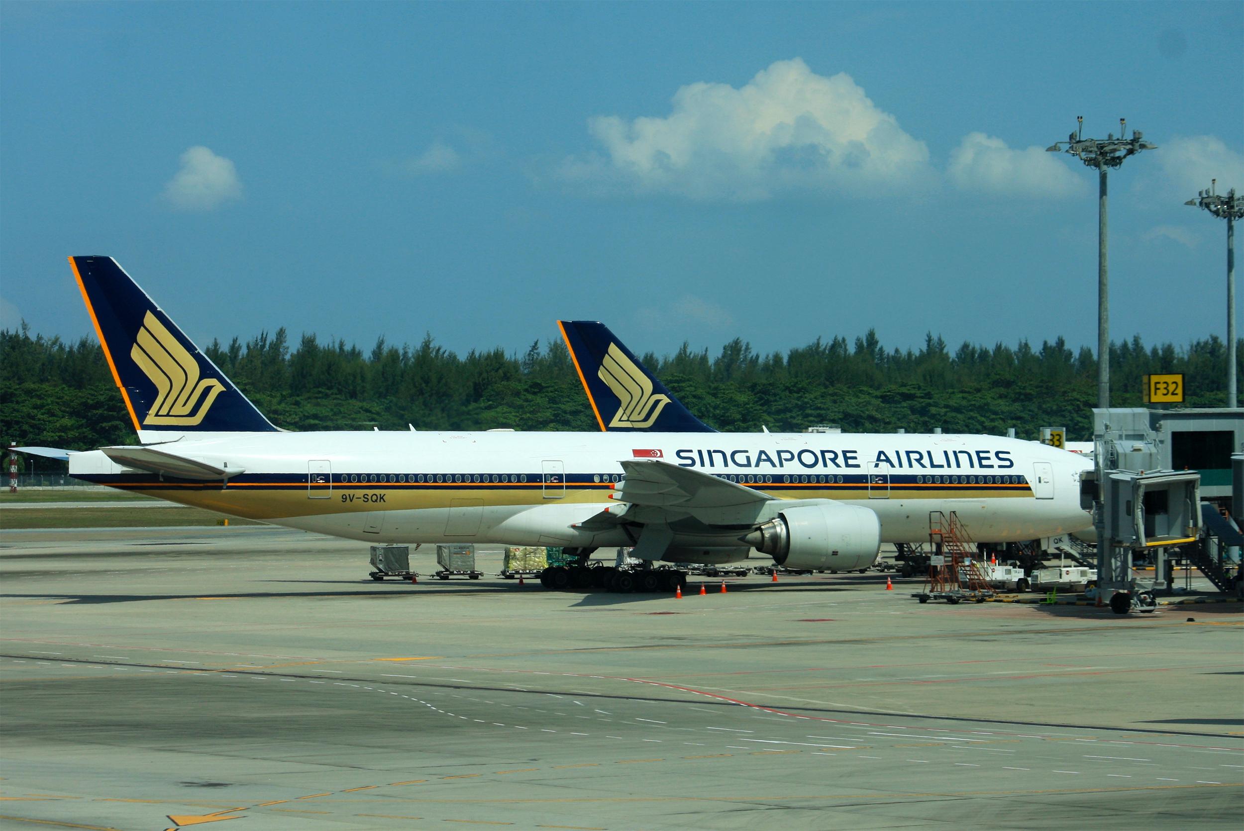 SQ Planes at Changi (Andrew Thomas)