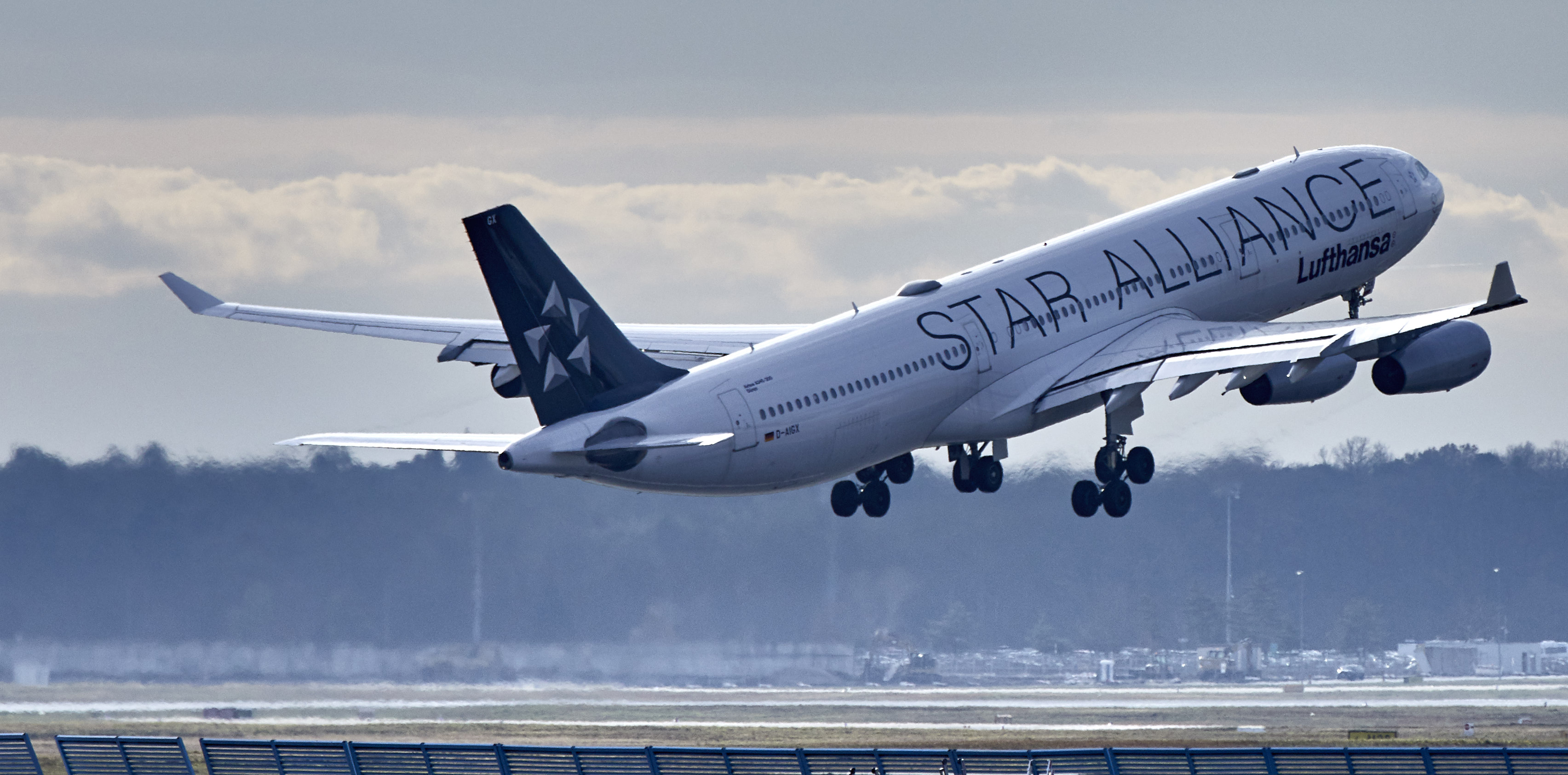 LH Star Alliance A340 (Lufthansa Group)
