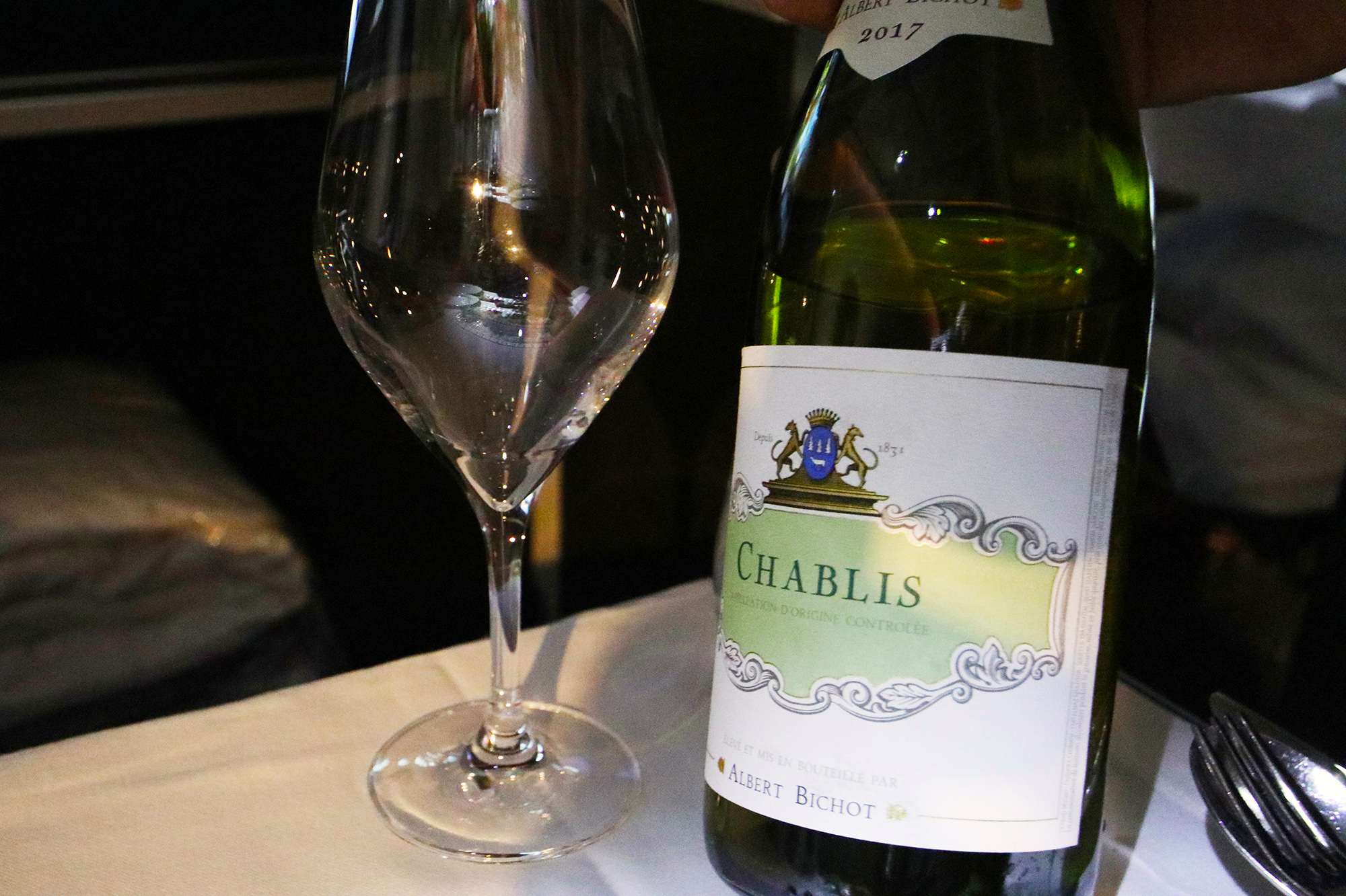 Wine Chablis.jpg