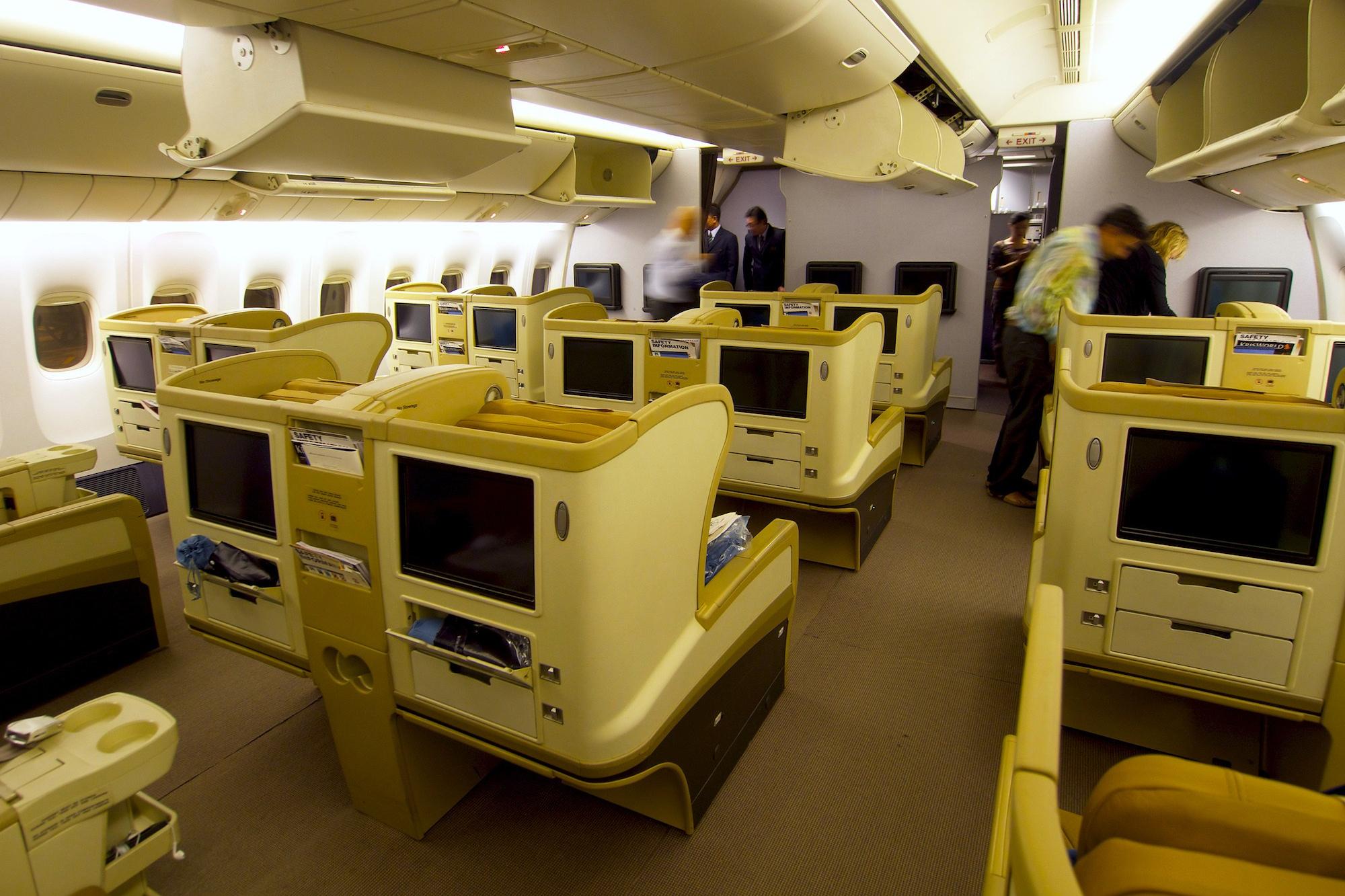 SQ-777-200-Regional-Biz-2-Edwin-Leong.jpg