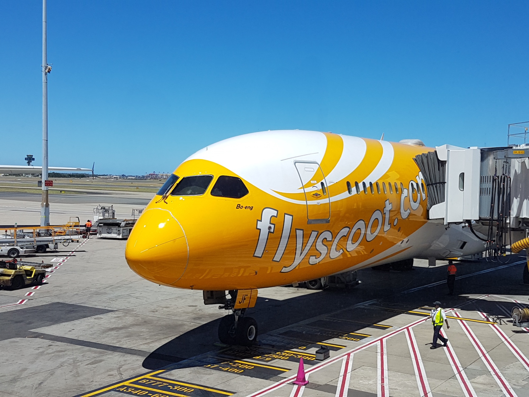 Scoot 787 Gate.jpg