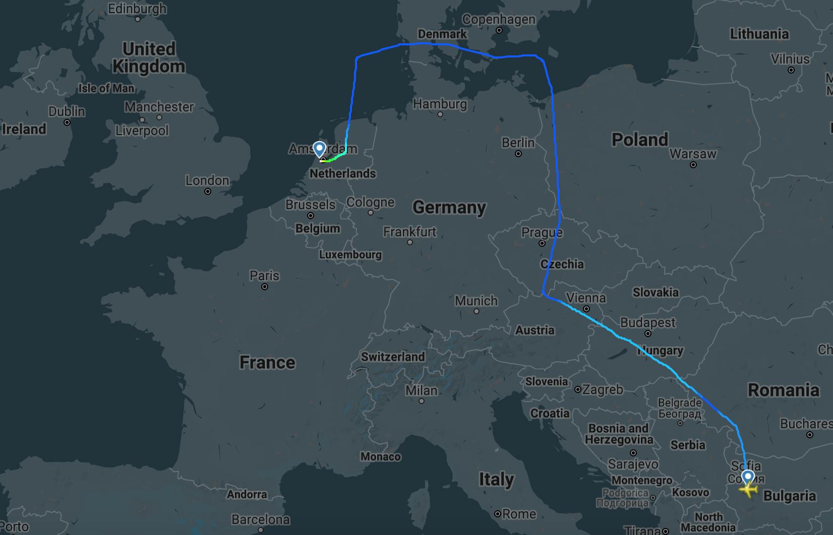 TUI 78M Relocation (FR24).jpg