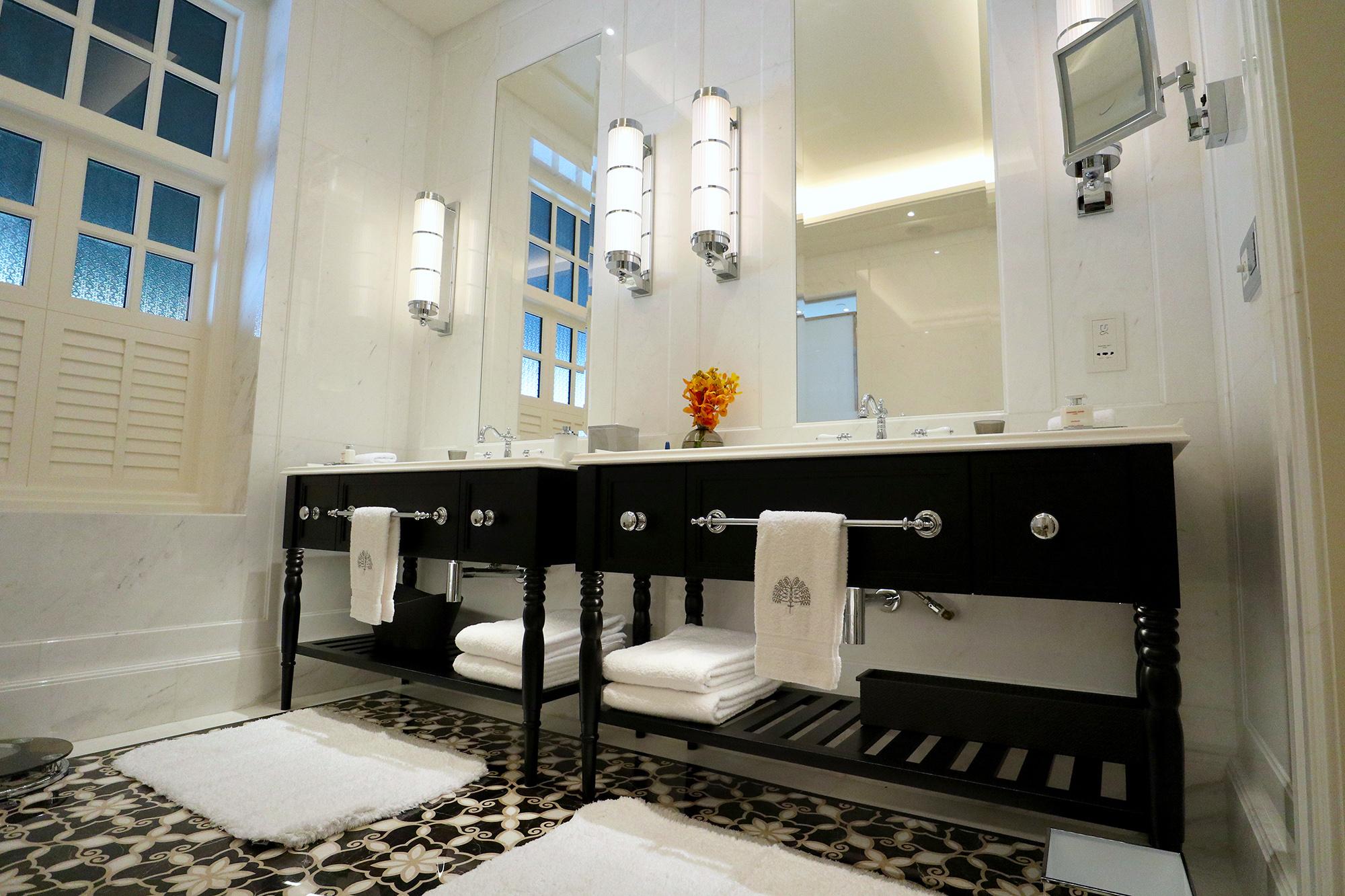 Double Sinks.jpg