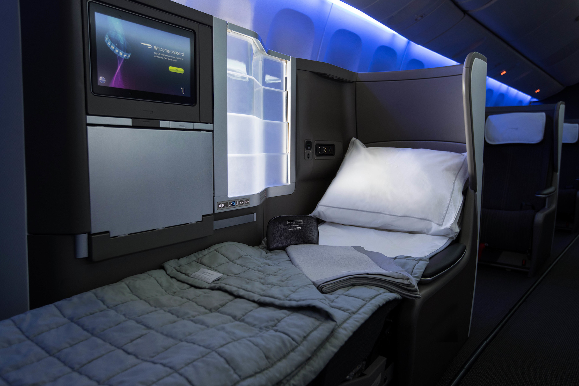 BA Club Wolrd Bed (British Airways).jpg