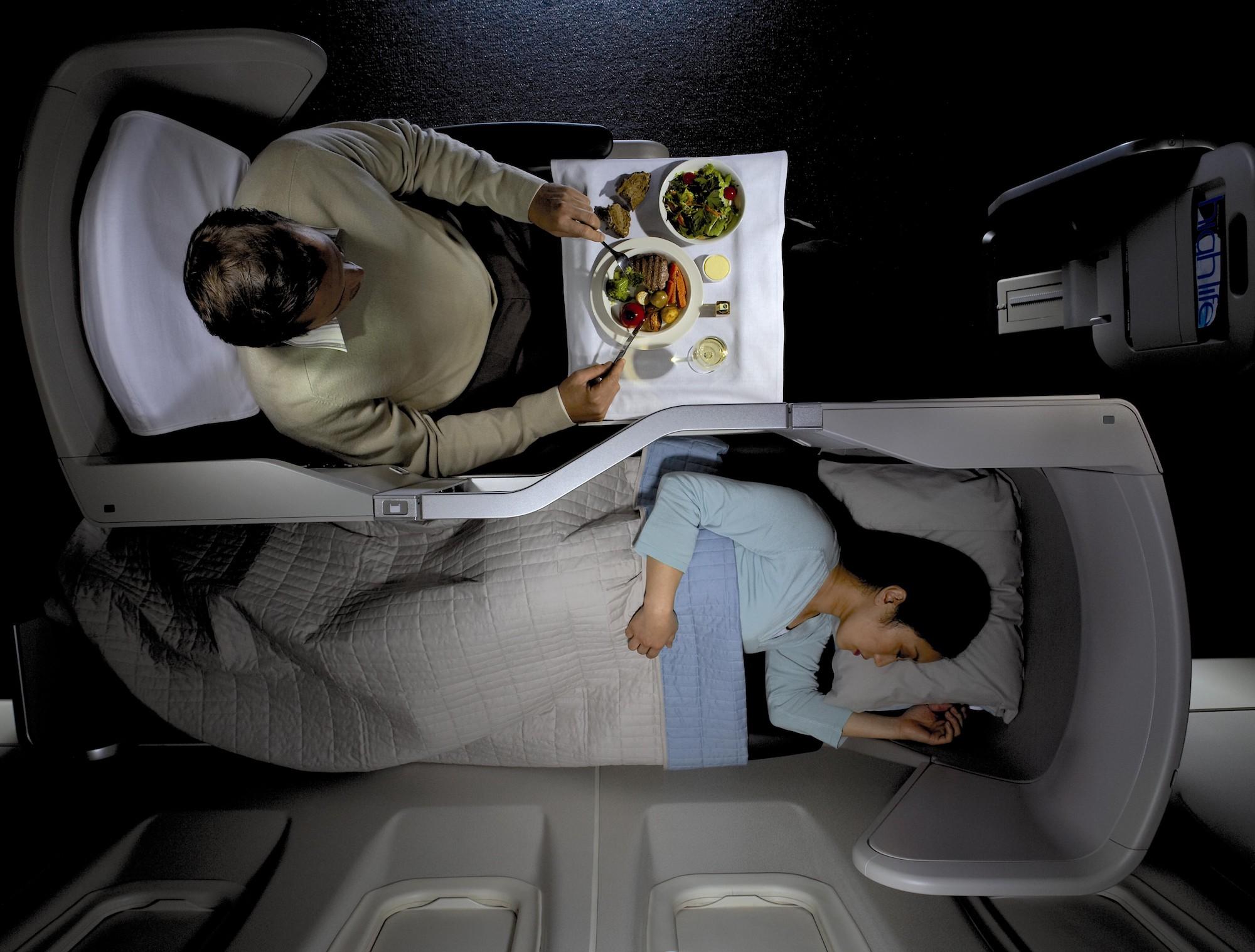 BA Club World Top (British Airways).jpg