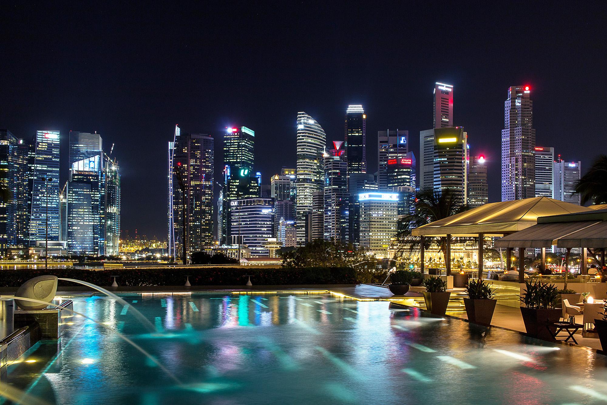 Mandarin Oriental Singapore Pool CBD.jpg