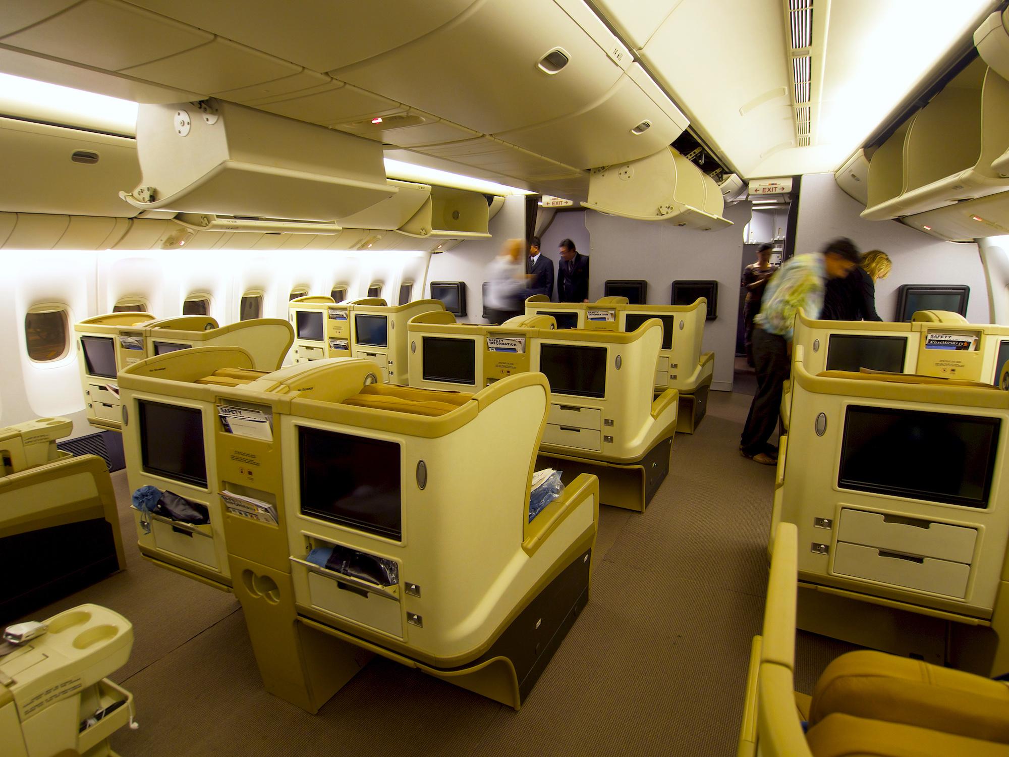 SQ 777-200 Regional Biz 2 (Edwin Leong).jpg