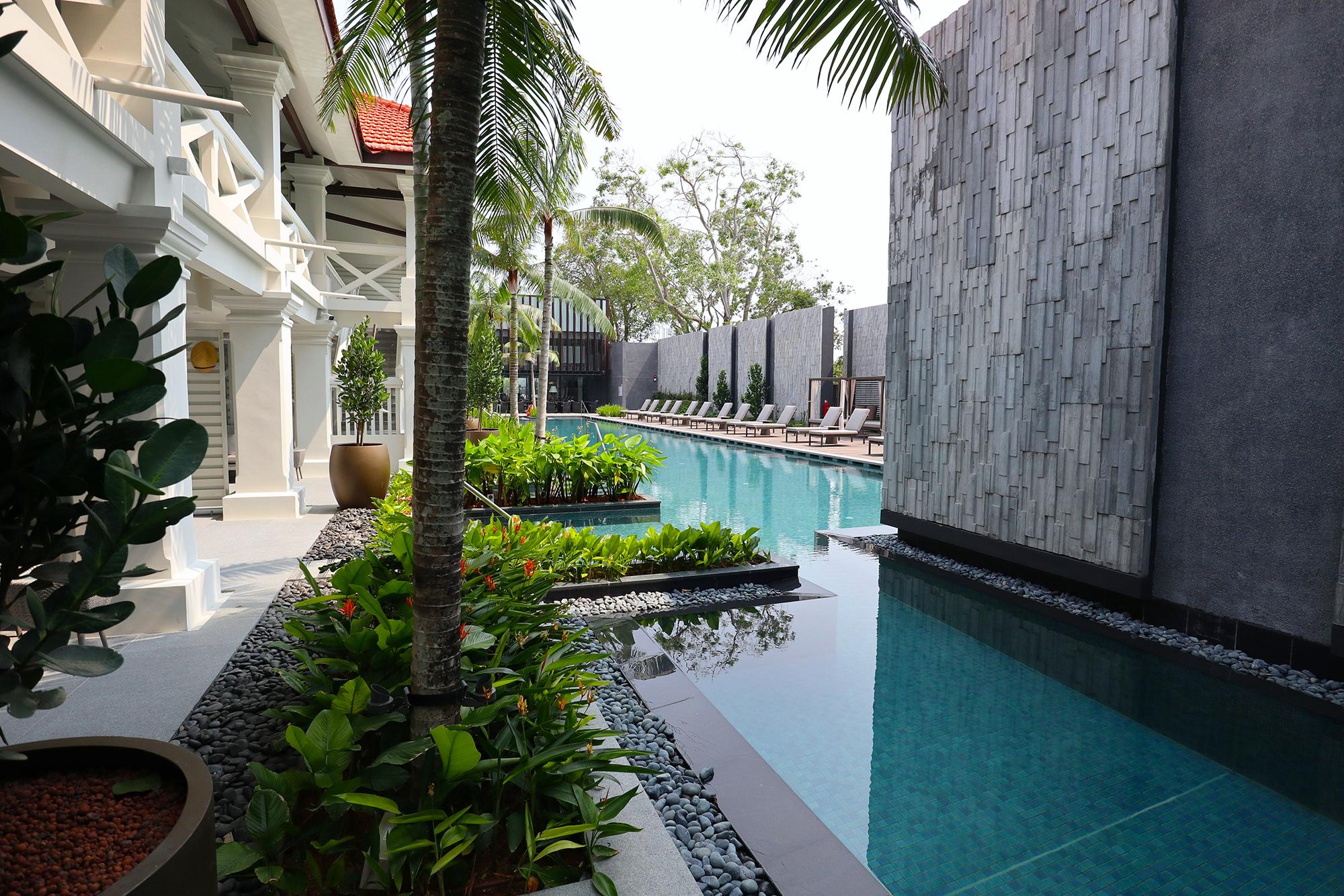 Suite Pool.jpg