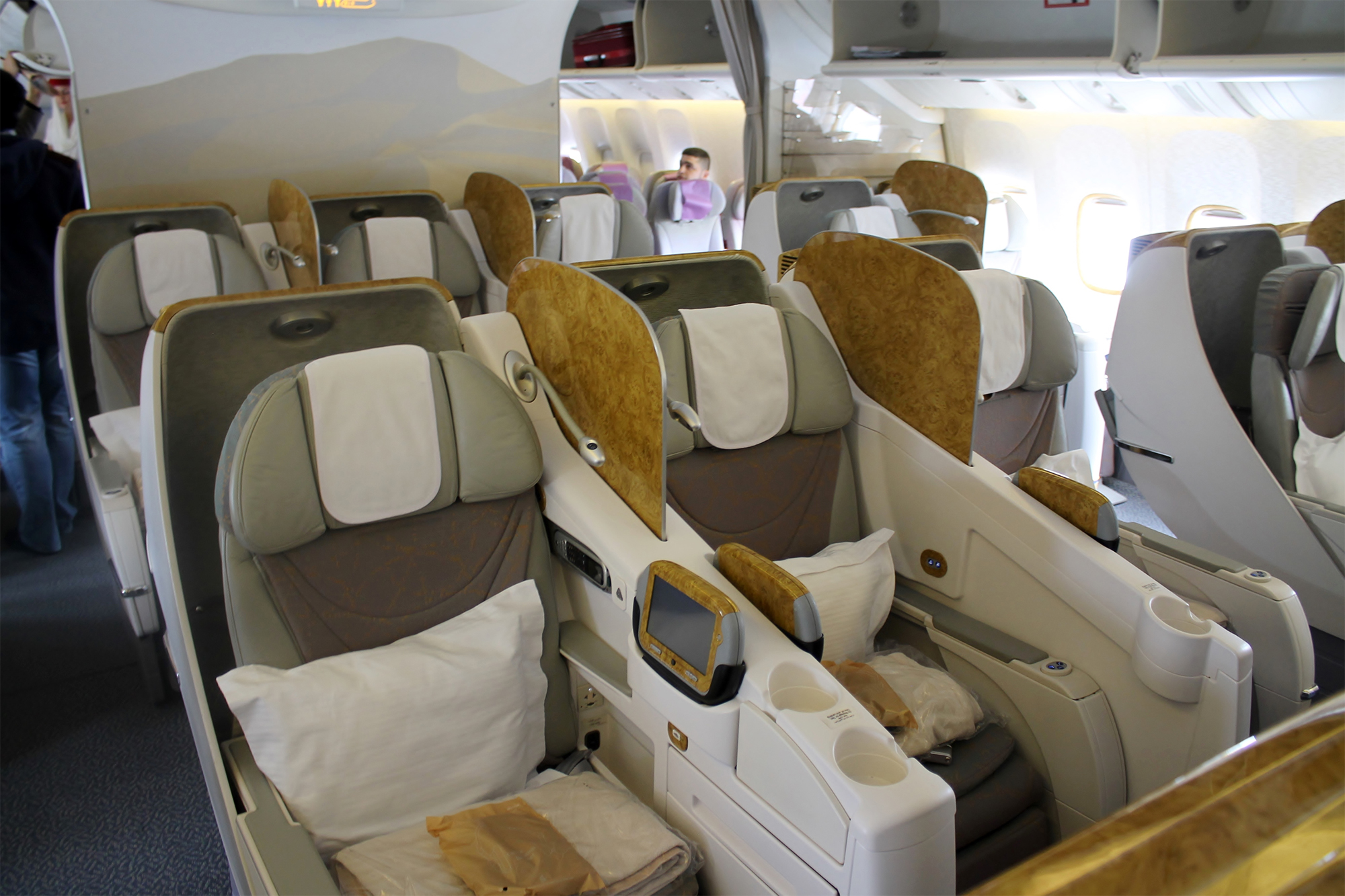 EK 77W Business Class (businessclass.se)