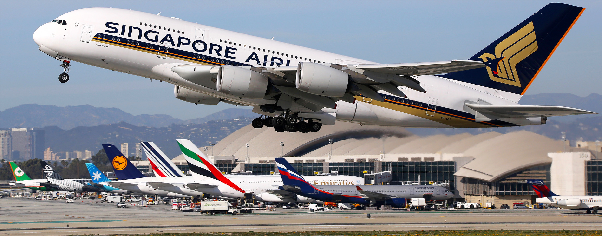 SQ A380 Over LAX Tails Landscape (Markus Mainka SS)