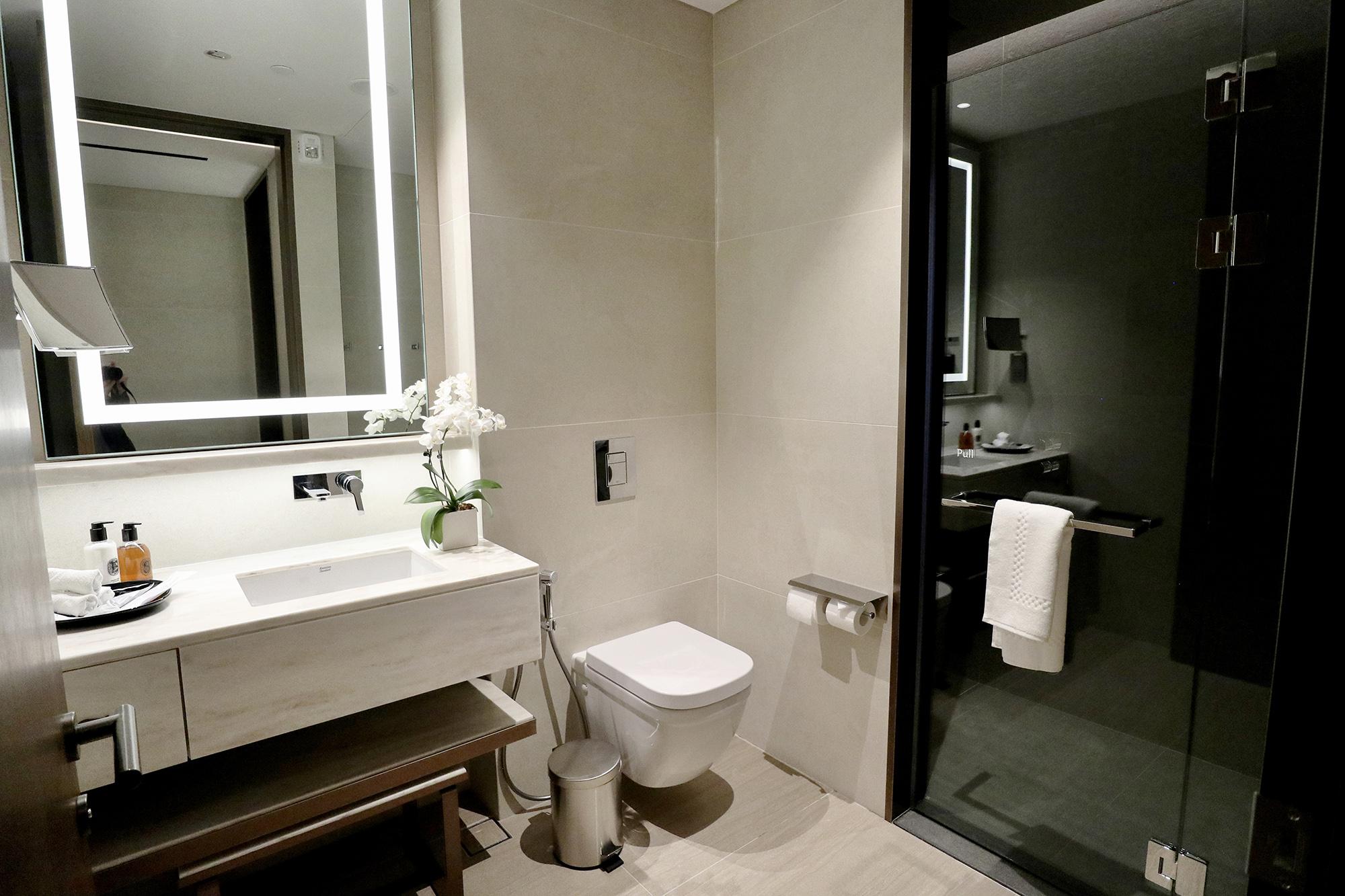 Shower Room Left