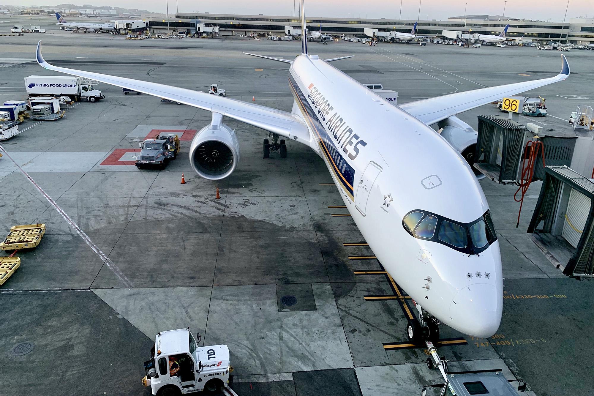 SQ A350 at Gate (Eugene Sim SS)