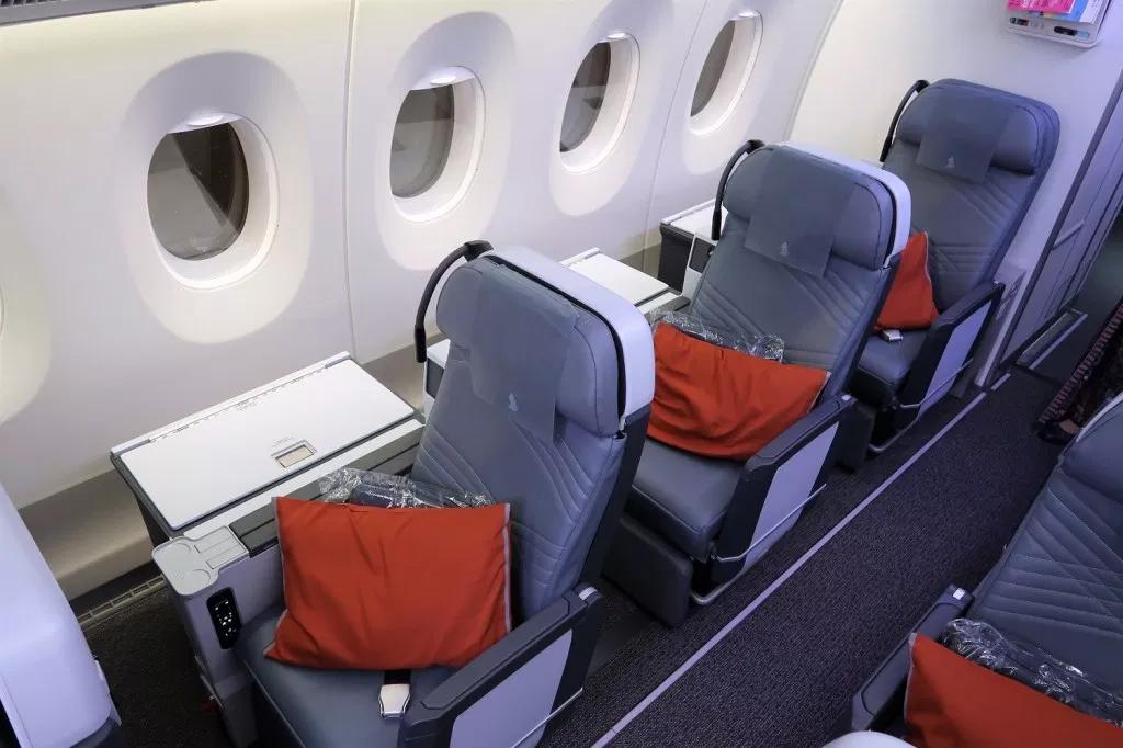 Solo Seats (TPG)