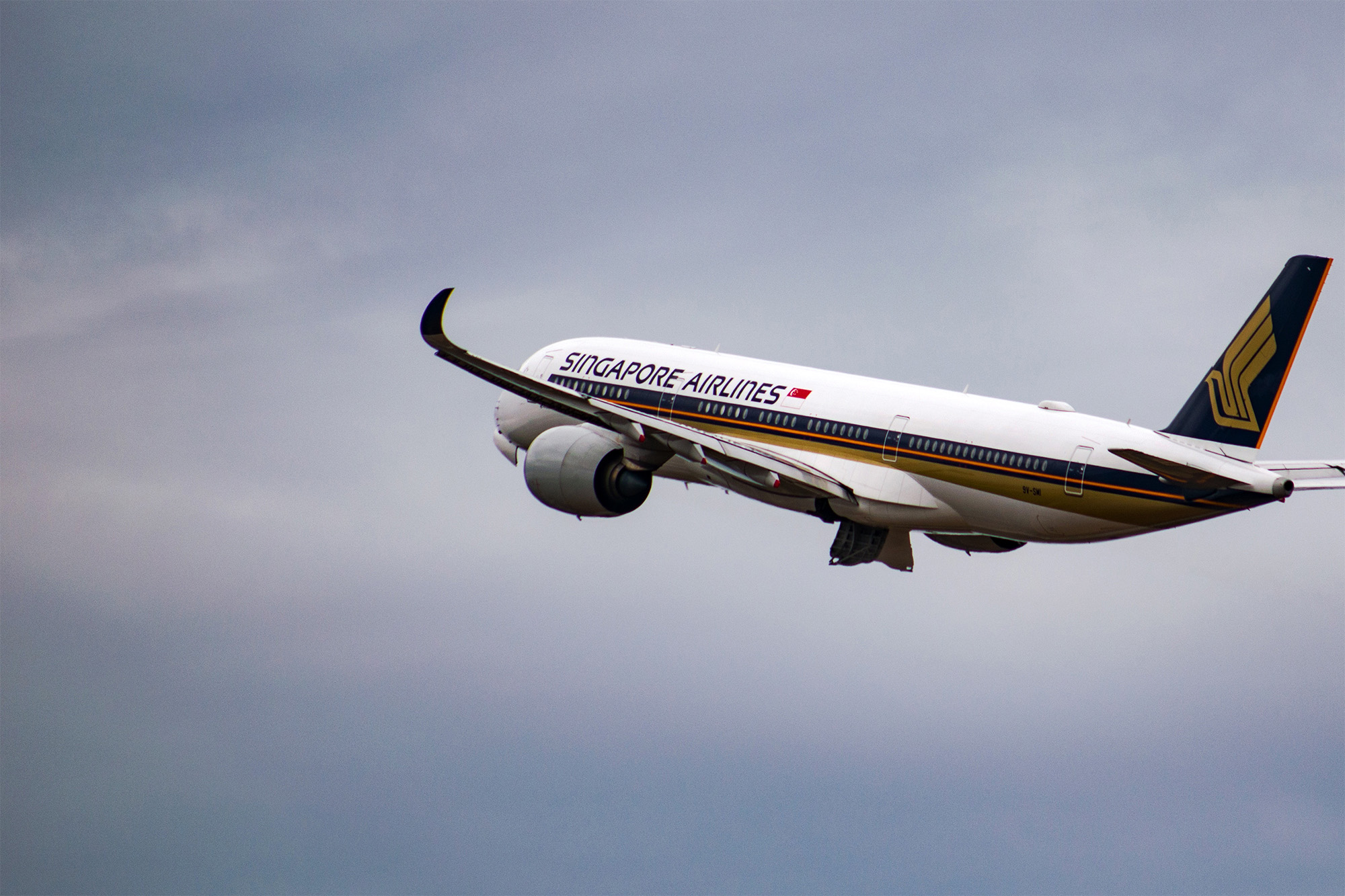 SQ A350 Takeoff (Tim Dennert)