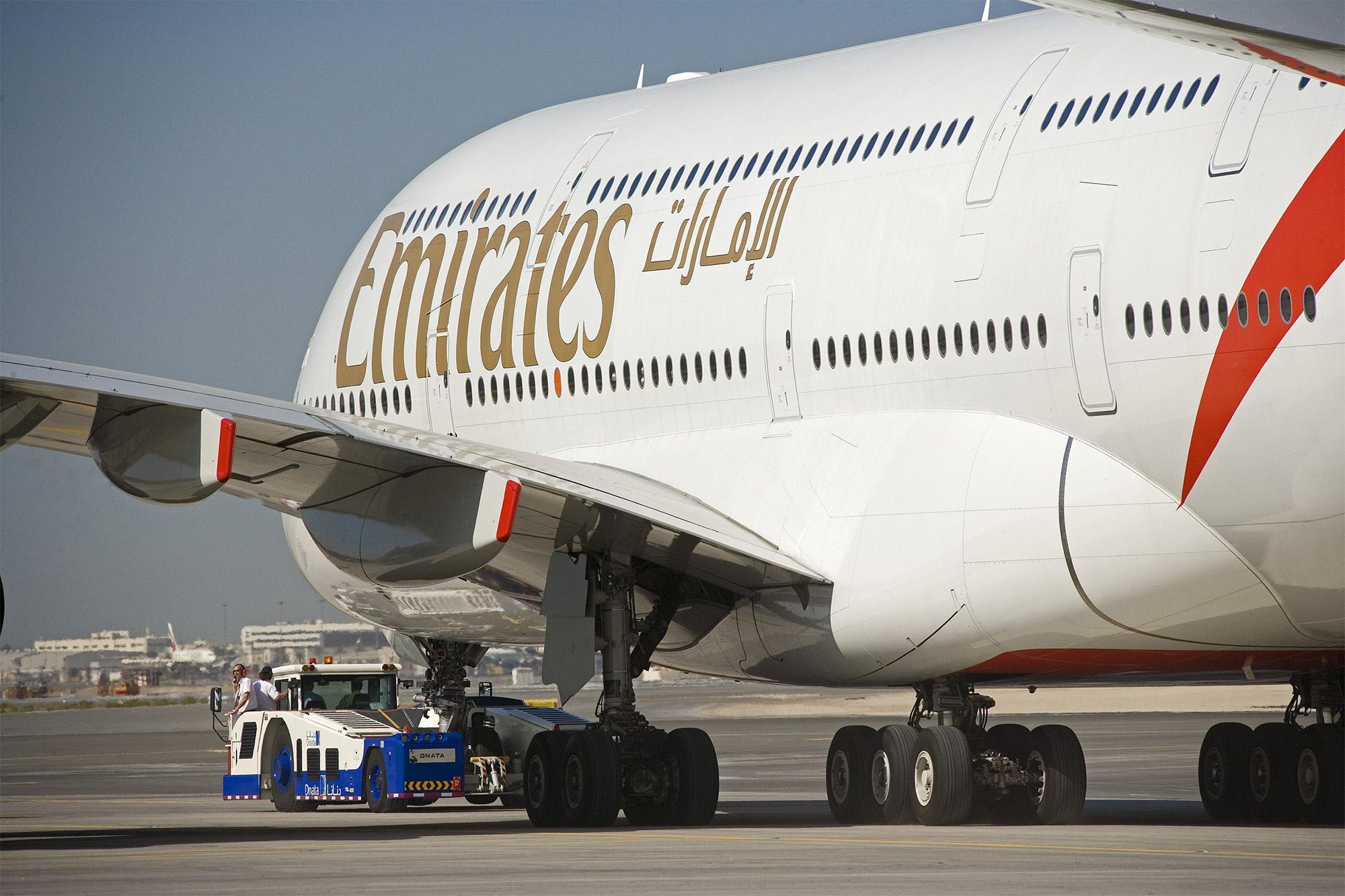 EK A390 Tow (Emirates)