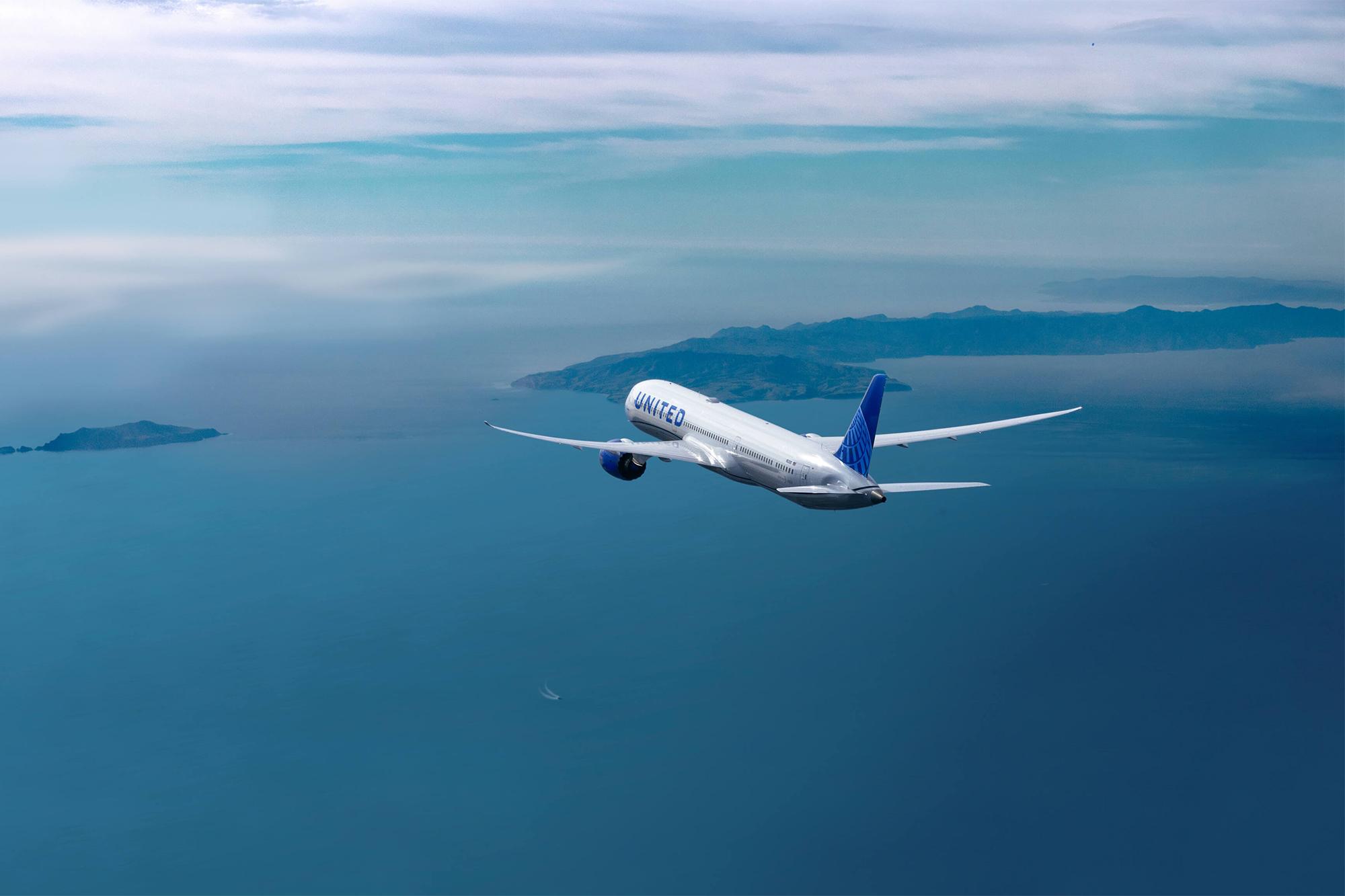 UA 787 New In-Flight (United)