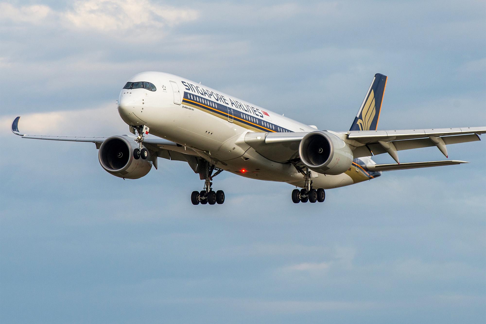 A350 Landing Cropped (Brian Bukowski)