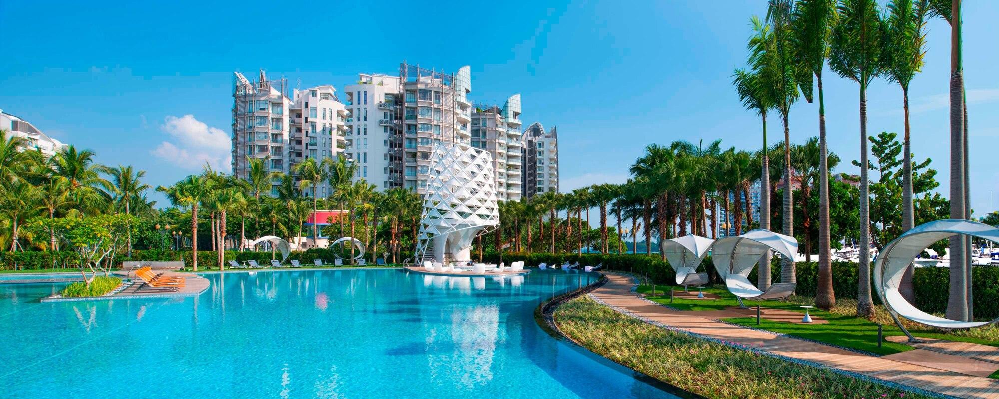 W Hotel Singapore Pool (Marriott)