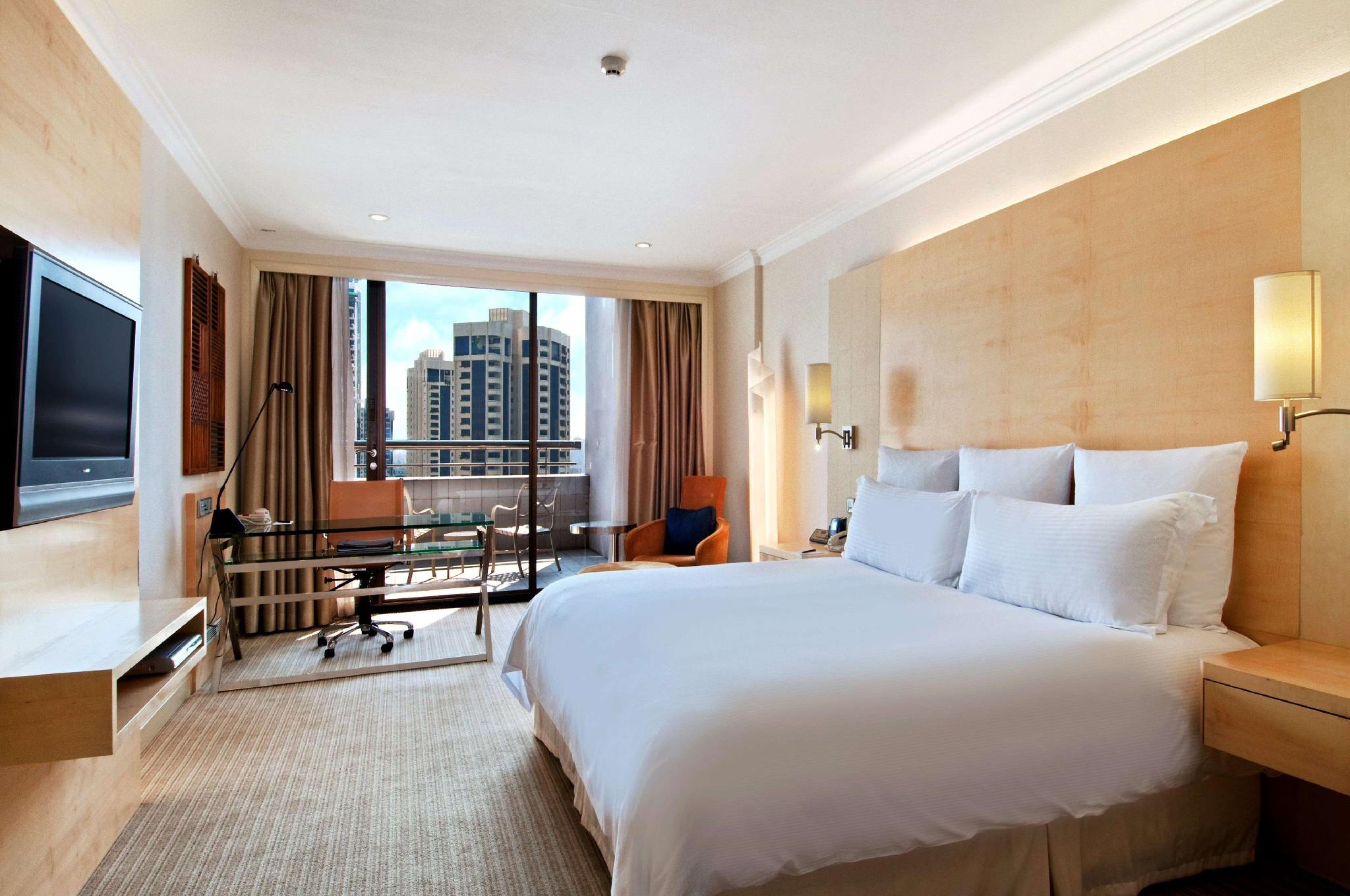 Hilton Singapore Room