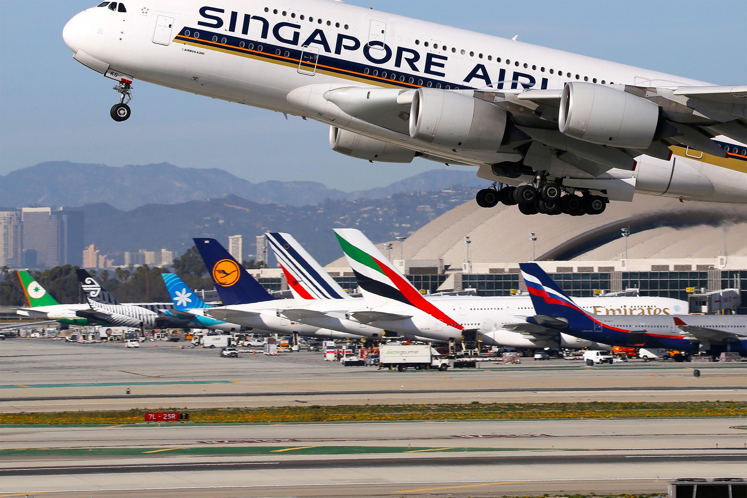 SQ A380 Over LAX Tails 2 (Markus Mainka SS)