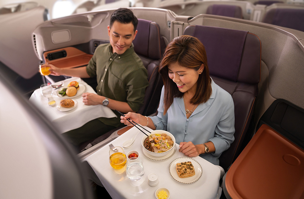 This image has an empty alt attribute; its file name is Business-Class-Dining-Small-Singapore-Airlines-2.jpg