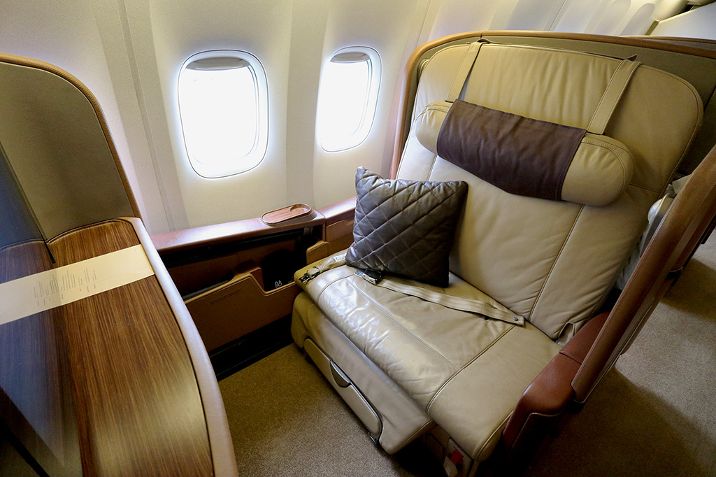 This image has an empty alt attribute; its file name is SQ-2006-F-Seat-1K-Small-MM.jpg